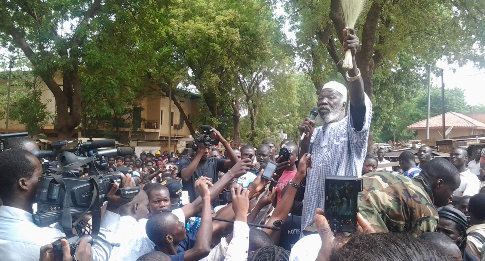 Ph: Basidou KINDA Boukary Kaboré dit le Lion, ancien compagnon de Thomas Sankara est venu soutenir les manifestants
